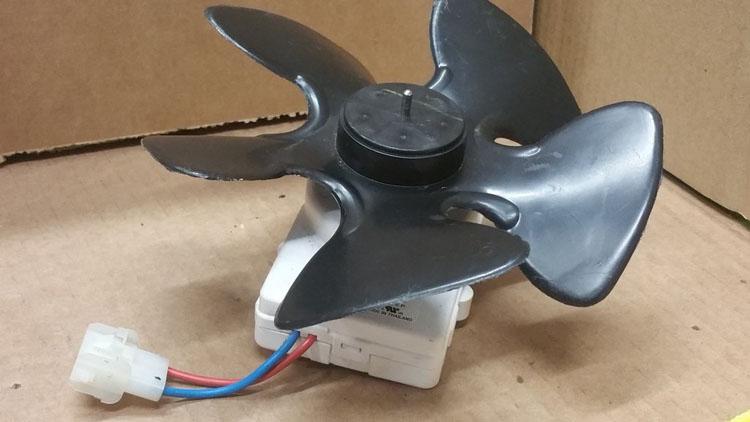 فن کندانسور (condenser fan