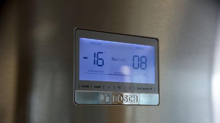 تعمیر برد دیسپلی(Display) یا نمایشگر یخچال بوش